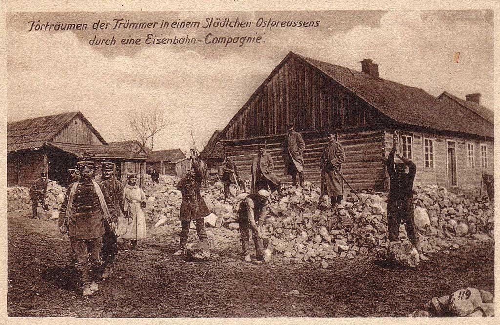 http://eisenbahn-gumbinnen-goldap.de/wp-content/uploads/2014/05/Eisenbahnkompanie-1915-1024.jpg