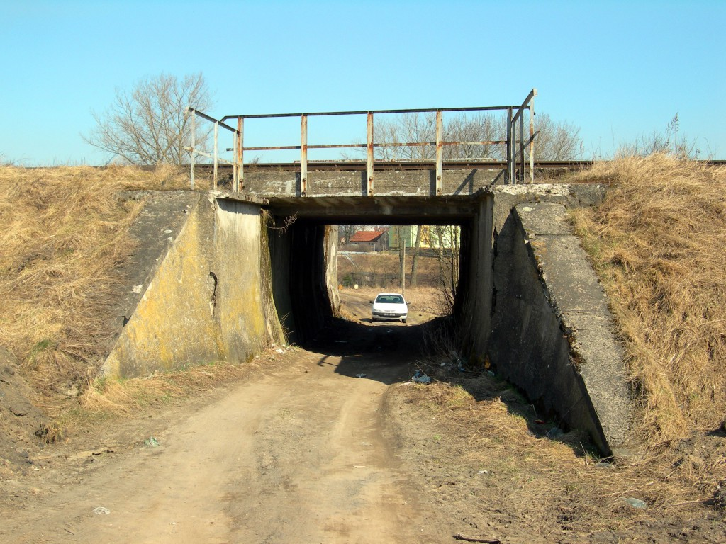 Olecko-Treuburg-wiadukt-pod-torem-normB-09-04-2009